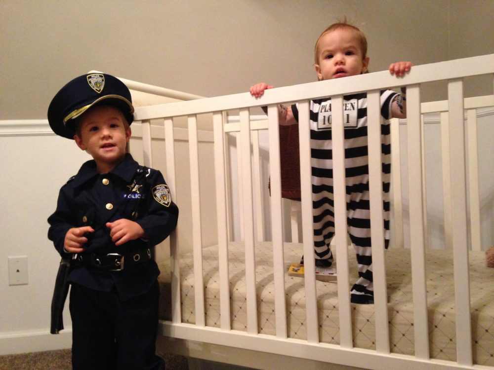 Police Man and Prisoner Costume